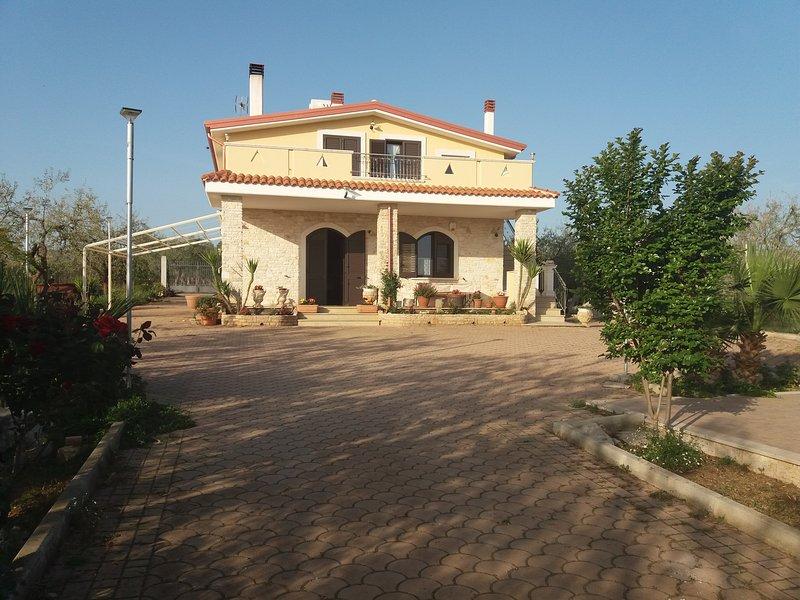 VILLA CALENDULA, holiday rental in Castel del Monte