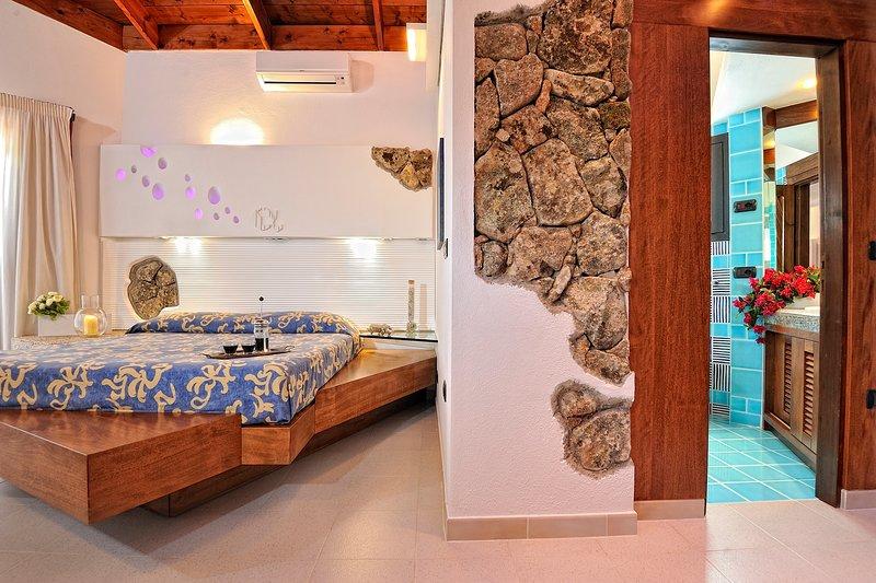 CREATIVE DESIGN – L'Ea di Lavru Residence - Apt 6, vacation rental in Porto Rafael