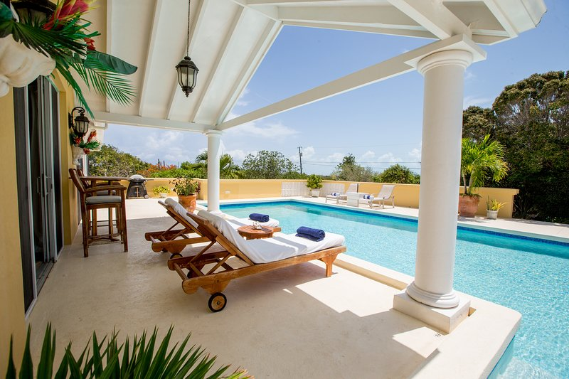 Incredible ocean views, breezes. A vacation paradise. Relaxation at its best. Open concept layout.