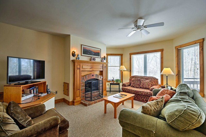 Ski-in/Ski-out Luxury Condo at Jay Peak Resort!, Ferienwohnung in Mansonville