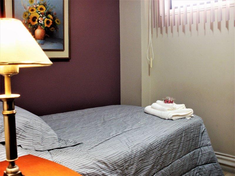 Bedroom: 1 twin bed. Sleeps 1