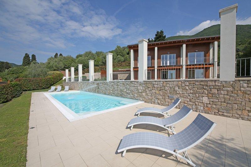 Villa Albachiara, holiday rental in Gardone Riviera