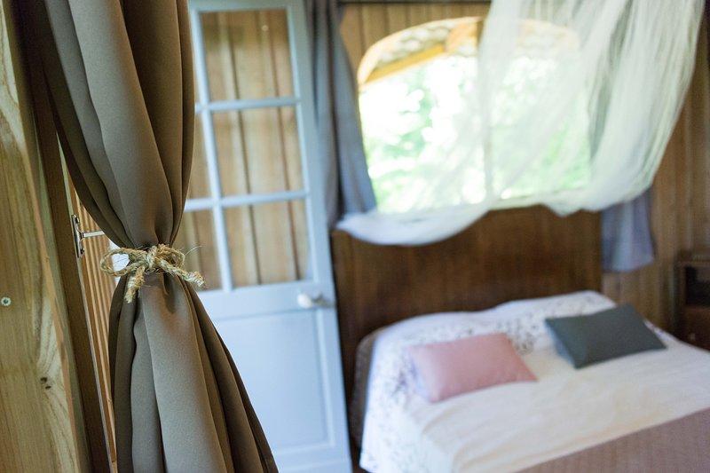 la cabane au bout du monde, vacation rental in Juillac