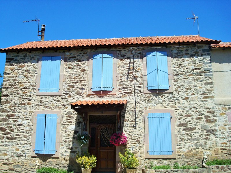 Chambre avec vue sur le jardin, holiday rental in Montirat