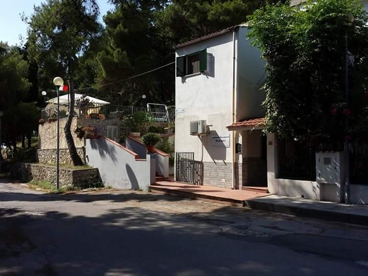 camera matrimonile, holiday rental in San Menaio
