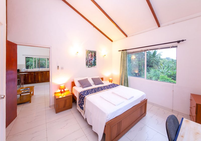 Chez Julie Mahe Seychelles  Guest House  Has Balcony And
