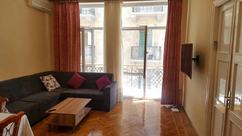 Check-in Apartment near to Sahil, vakantiewoning in Bakoe