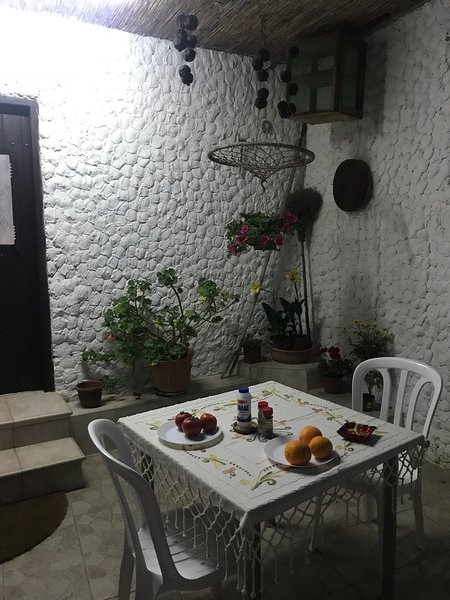 Traditional village house in the Troodos foothills, holiday rental in Arakapas
