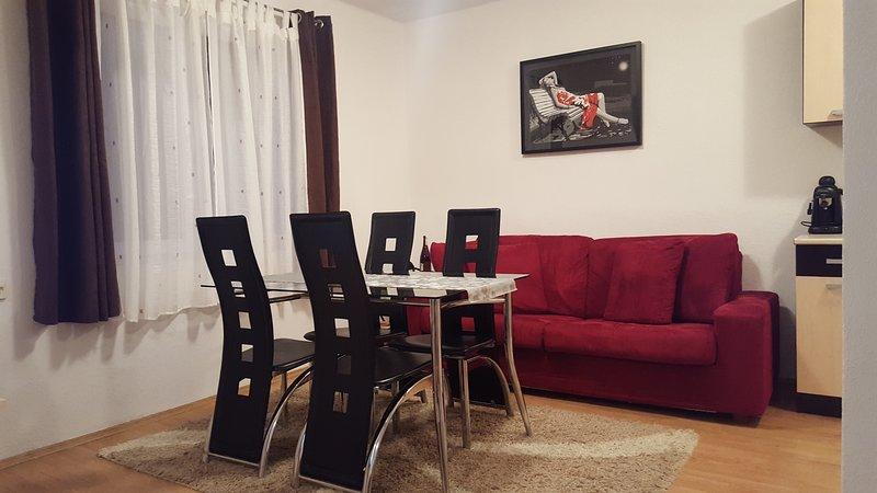 APARTMAN 'SAJRA' KULEN VAKUF, holiday rental in Doljani