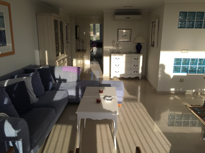 Apartamento veraniego, lujoso con todo tipo de comodidades a tu disposición., location de vacances à Benicasim