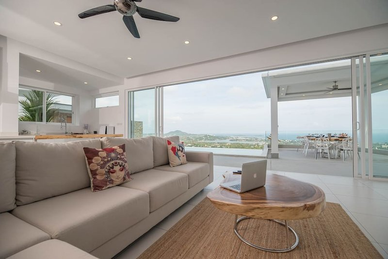 Villa Melissa 5 chambres -Infinity Pool-Panoramic Sea View, aluguéis de temporada em Chaweng