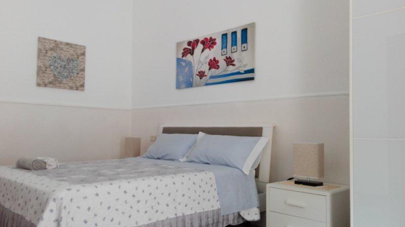 HOME HOLIDAY IN PACHINO - Casa vacanza U cardinali (ground floor/piano terra), casa vacanza a Pachino