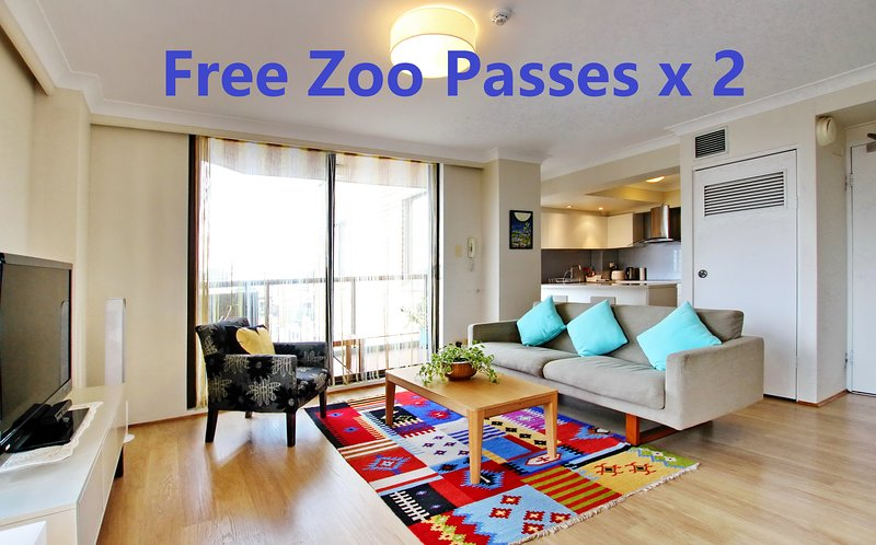 2 Bedroom Apartment Heart Of Sydney CBD/2 mins to Station/ NETFLIX & ZOO PASSx2, holiday rental in Sydney