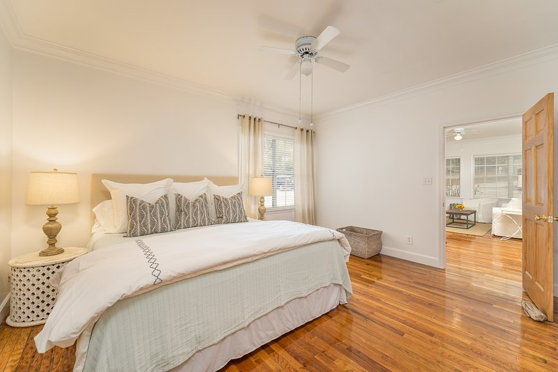 Jubilee Suites on Mobile Bay - Charlotte Unit, vacation rental in Daphne