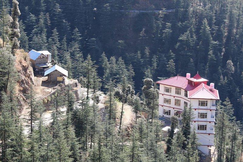 Hassan Valley Retreat: Room 7, vacation rental in Janedghat