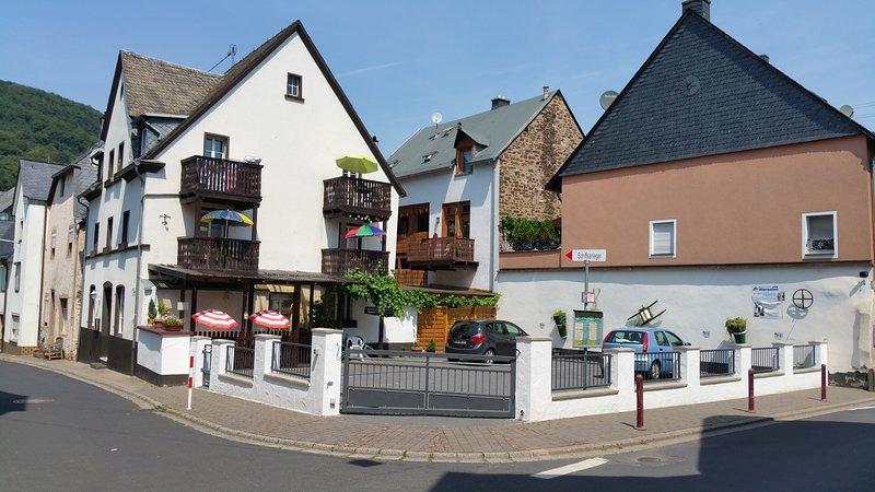 Haus Born-Simon, Ferienwohnung ,56253 Treis-Karden an der schönen Mosel, location de vacances à Munstermaifeld
