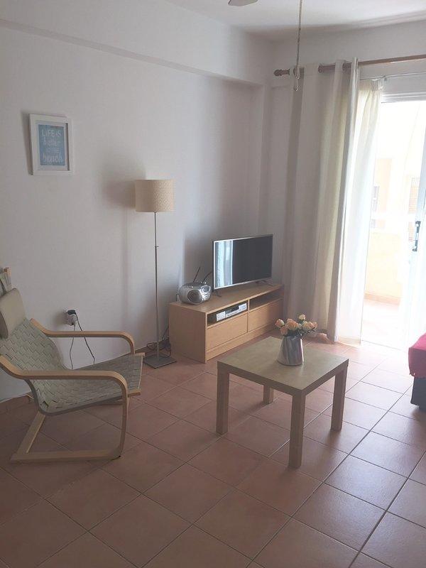 Wohnbereich mit TV und DVD-Player