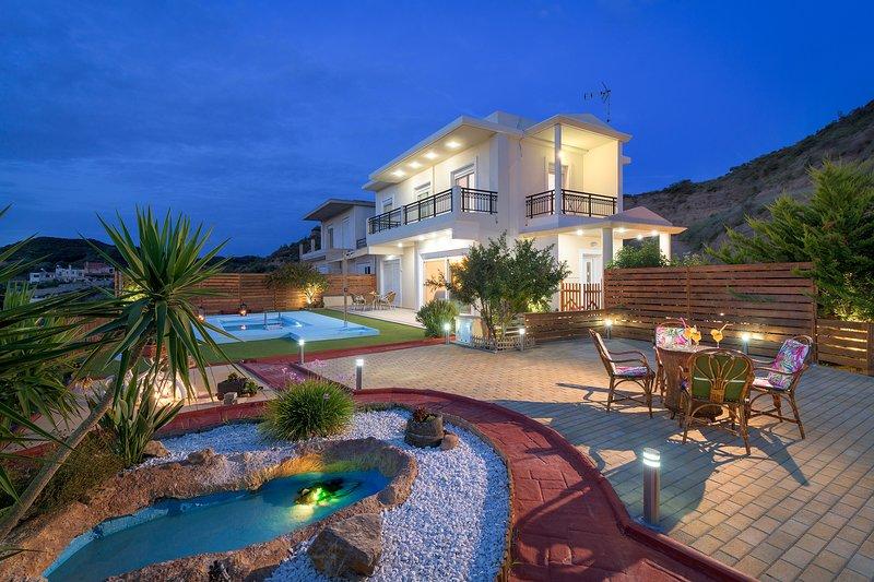 Dreamcatcher Villa with private pool, location de vacances à Petaloudes