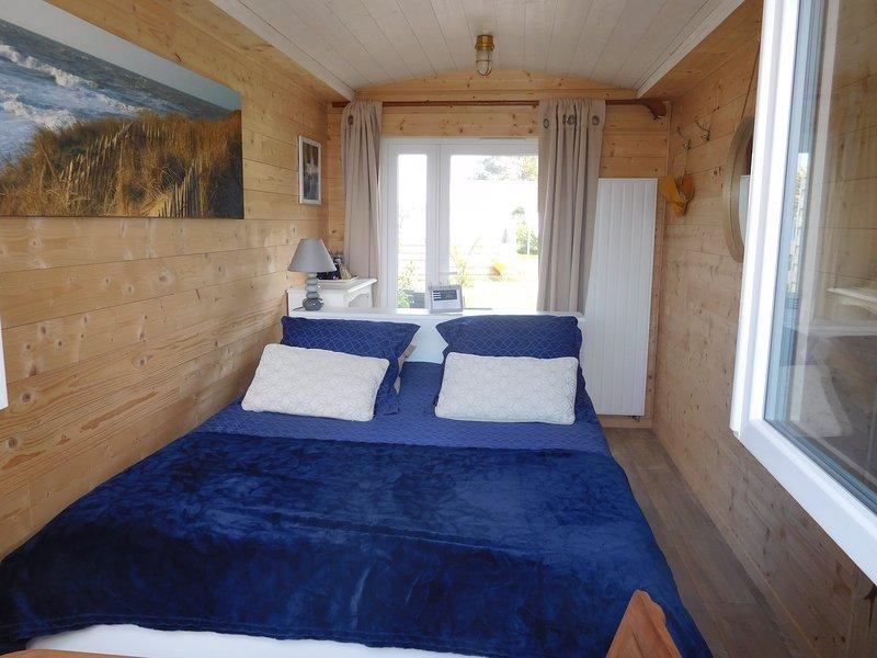 Chambre d'hôtes côté mer, côté jardin, holiday rental in St Helier