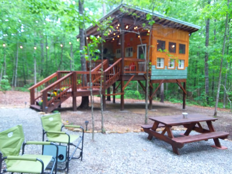 Glamping at Deer Camp, location de vacances à Altamont