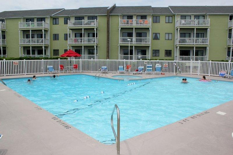 piscina frente al mar