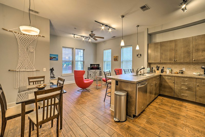 Up to 5 guests can explore Wilmington from this vacation rental condo.