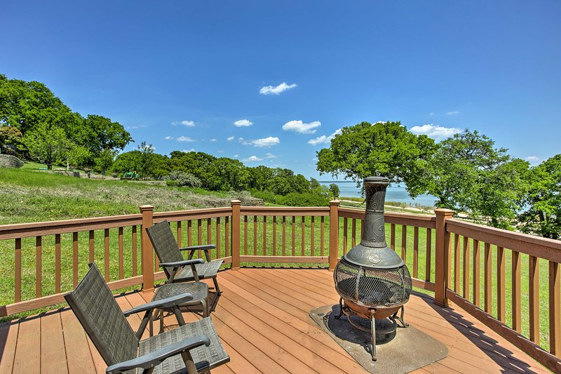 Cozy Kingston House on Lake Texoma-Steps to Beach!, vacation rental in Kingston