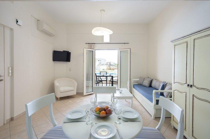OPTIMUM VILLA, holiday rental in Agia Anna