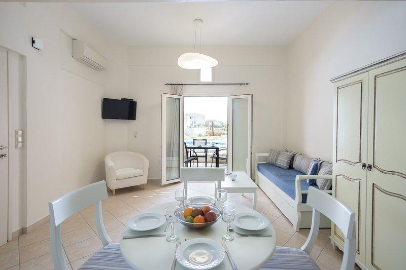 OPTIMUM VILLA, vacation rental in Agios Prokopios