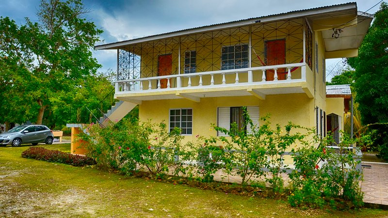 Bougainvillea House, holiday rental in Westmoreland Parish