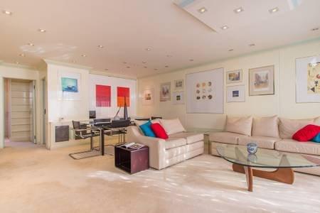 Open space Art Deco Living Room