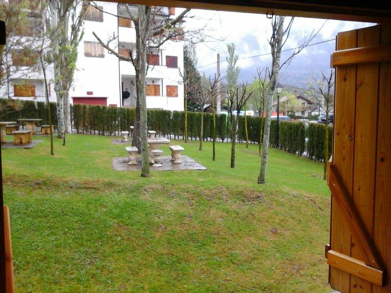 Apartamento fresquito en el Pirineo Aragonés, vacation rental in Anso