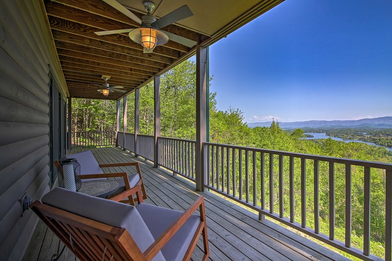 Hide away in Hiawassee at this vacation rental home!