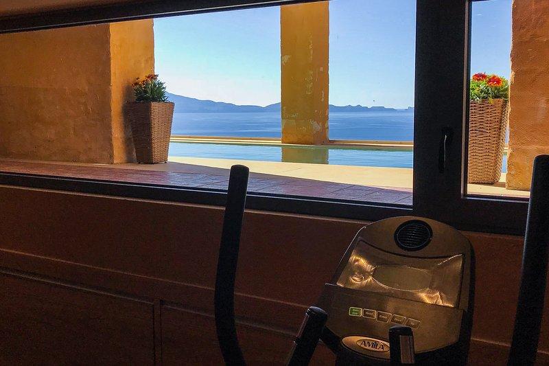Der Fitnessbereich hat einen schönen Blick auf das Meer als auch.