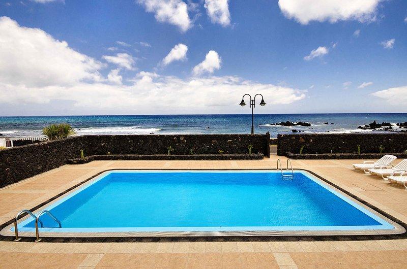 Villa Adelina, vistas al Atlántico, vacation rental in Punta Mujeres