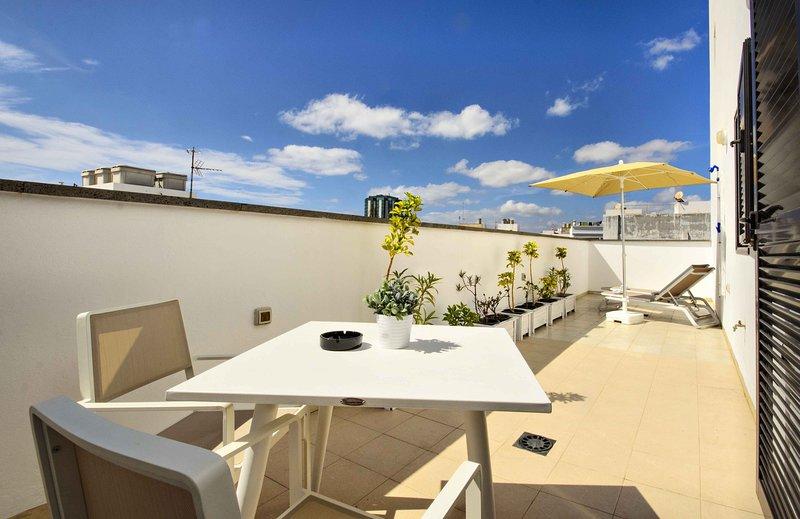 La Casa de Lela, tu ático en Arrecife, vacation rental in Puerto Naos