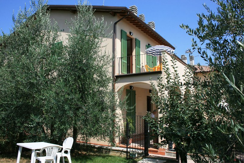 CASA FANFULLA - LA ROCCA, vacation rental in Badicorte