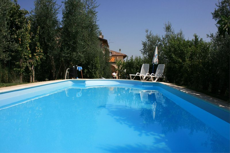 Cesa Apartment Sleeps 5 with Pool and Air Con - 5490501, vacation rental in Cesa