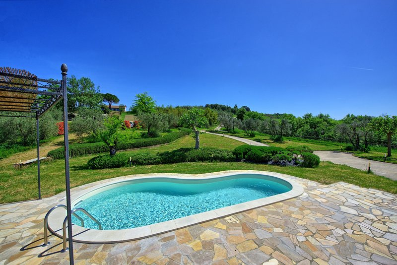 Fontanella Villa Sleeps 4 with Pool Air Con and WiFi - 5241655, vacation rental in Cambiano