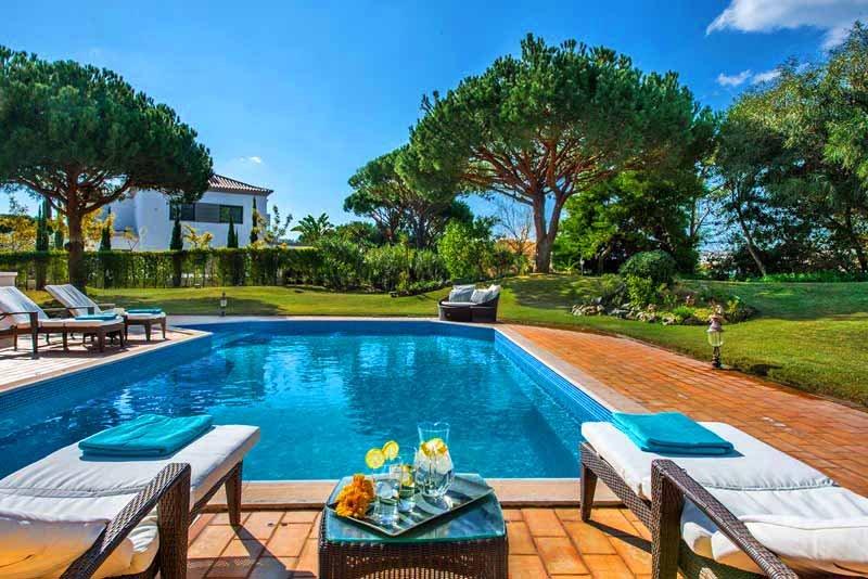 Quinta do Lago Villa Sleeps 8 with Pool Air Con and WiFi - 5479975, alquiler vacacional en Quinta do Lago