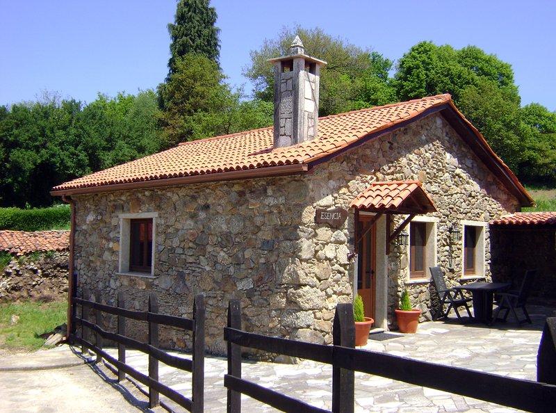 Casa de Piedra Esencia, alquiler de vacaciones en Melide