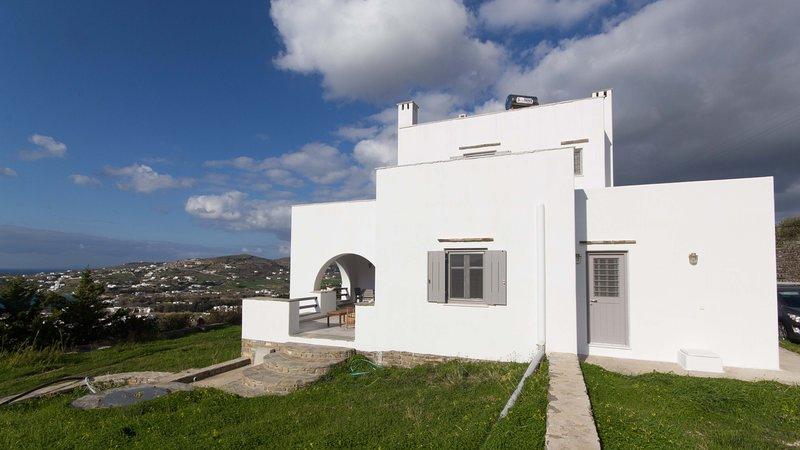 Vista exterior de la villa.