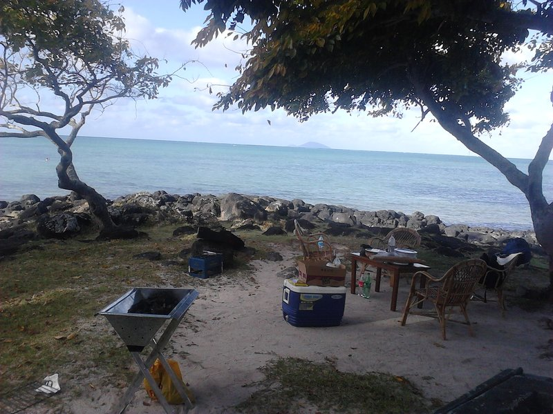 Budget Beach Room, holiday rental in Riviere du Rempart