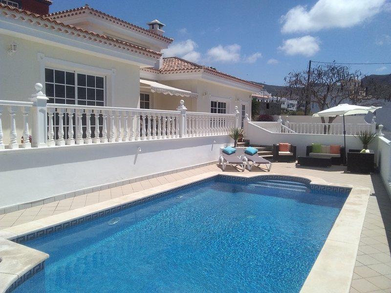 Luxury Villa, vacation rental in Tenerife