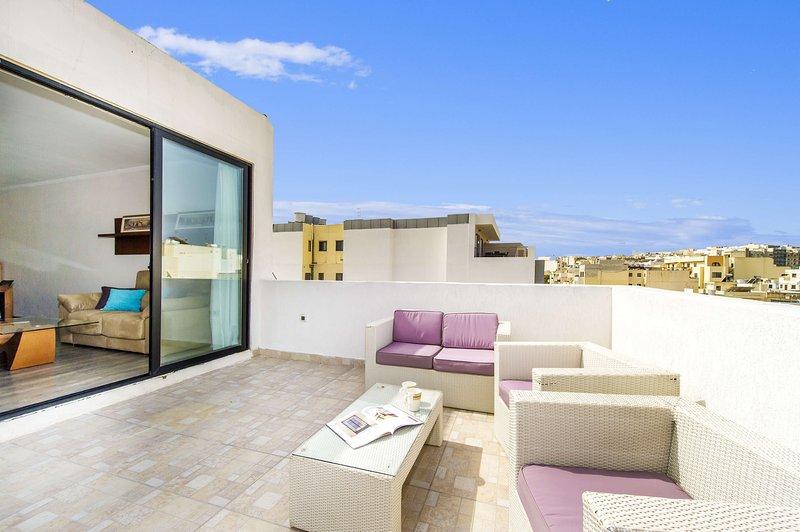 Fantástico Penthouse con gran Terraza_Sliema area, aluguéis de temporada em Il Gzira