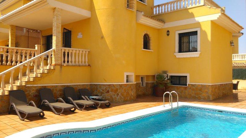Beautiful 6 Bedroom, 3 Bathroom Villa, in Lo Cripspin, Algorfa, Alicante on The Costa Blanca, Spain