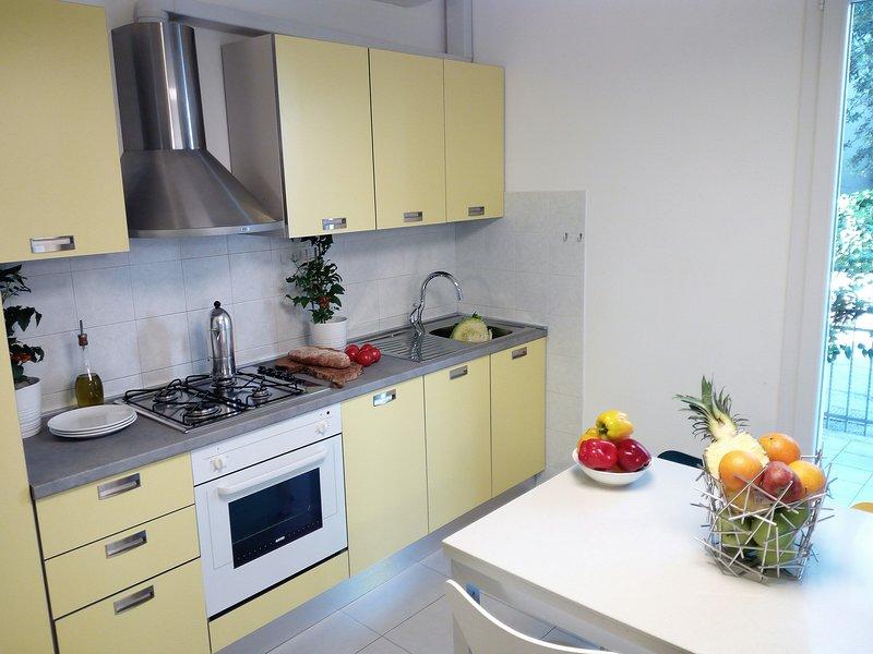 Residence Diffuso Arcobaleno Appartamento P33, vacation rental in Peglio