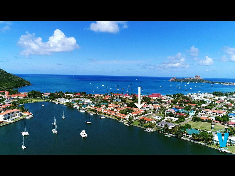 Admiral Quay - walking distance to the beach and restaurants COVID CERTIFIED, location de vacances à Rodney Bay