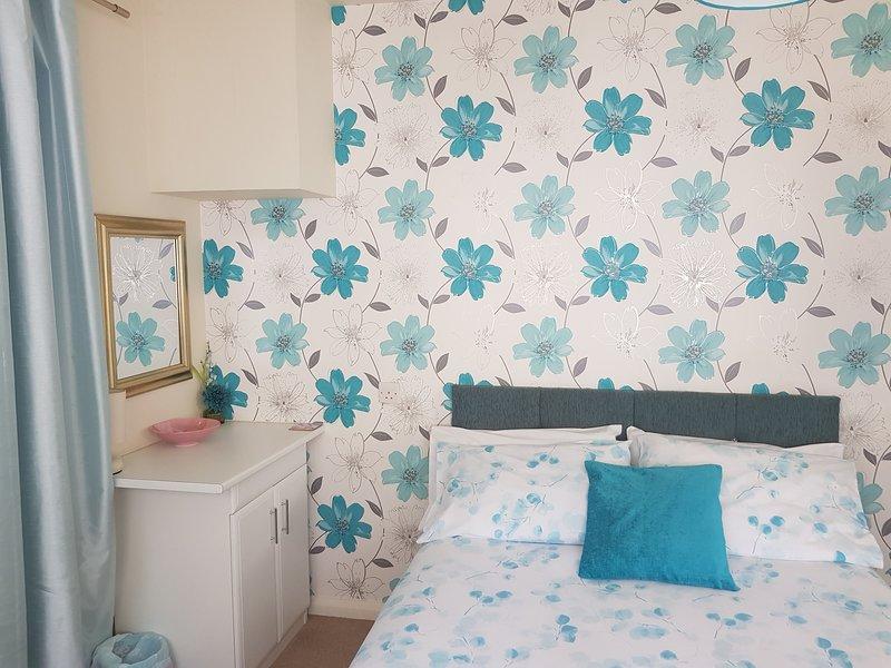 Lovely double studio en suite with garden, vacation rental in Torquay