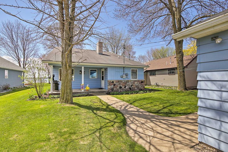 Book this beautiful lake home for your family Wisconsin vacation!